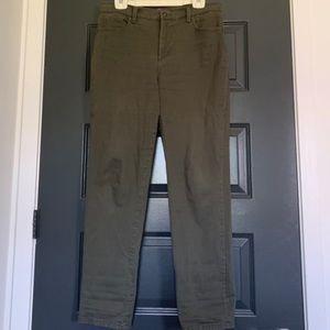 Gloria Vanderbilt forest green pants